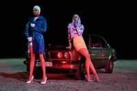 bmw-fashion-space-leather-gloss-no-signal-editorial