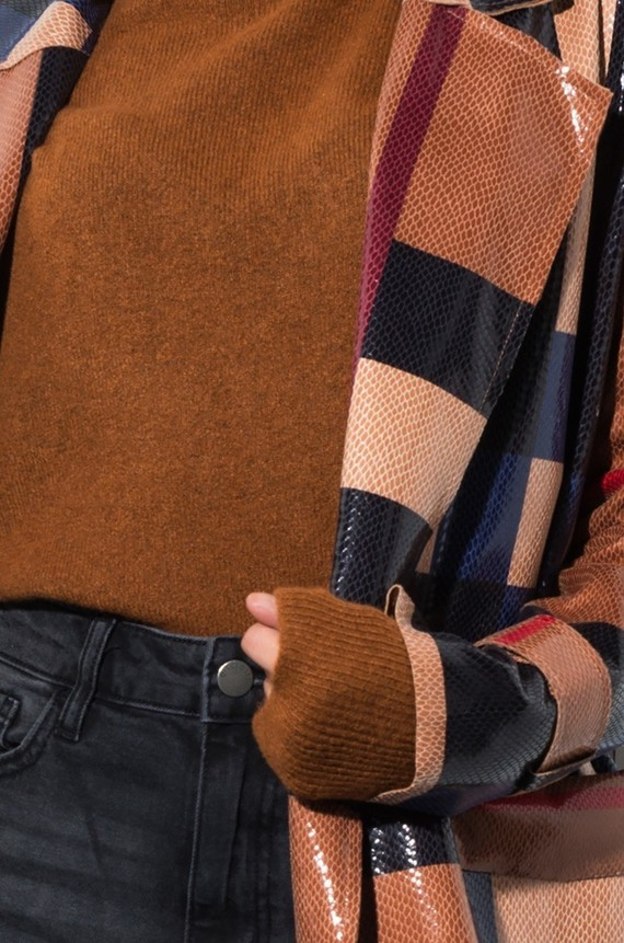 every-time-u-come-around-plaid-trench-jacket_brown-plaid_4