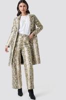 epsiode_snake_printed_pu_coat_beige_1018-001955-0005_01c