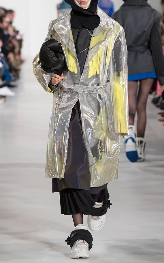 large_maison-margiela-metallic-rodeo-hologram-trench-coat2