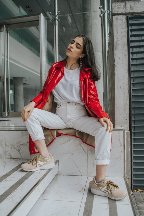 The-red-patent-trench-THE-BLUE-EYED-GAL-9