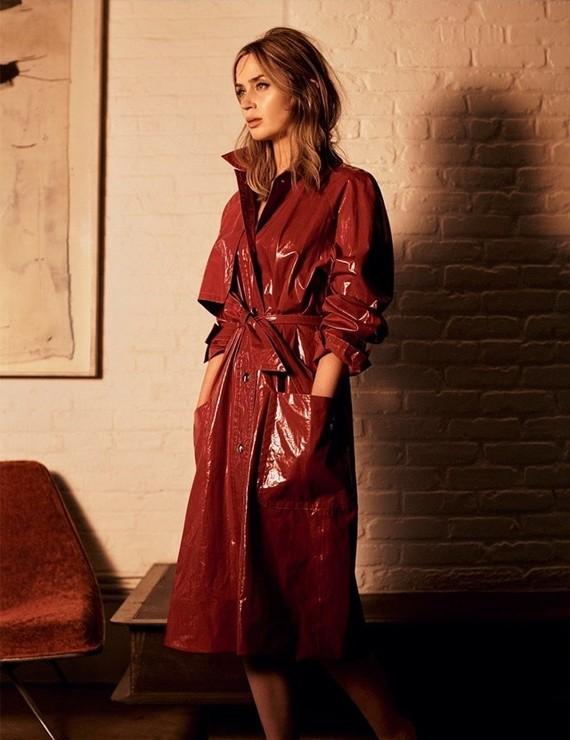 Vogue-UK-November-2016-Emily-Blunt-by-Josh-Olins-02