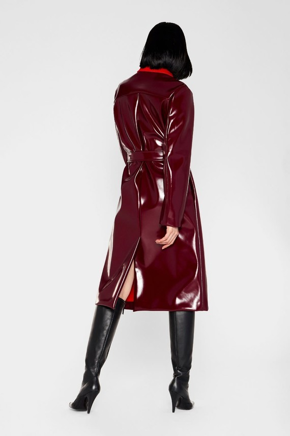 emilio-pucci-belted-vinyl-effect-trench-coat_13909308_18716924_2048