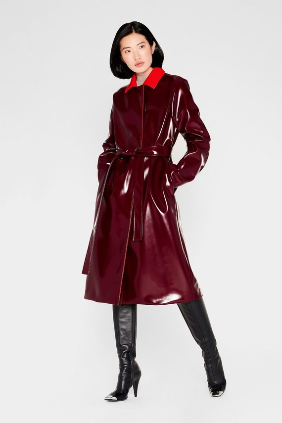 emilio-pucci-belted-vinyl-effect-trench-coat_13909308_18716927_2048