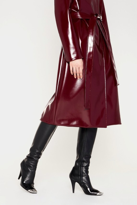 emilio-pucci-belted-vinyl-effect-trench-coat_13909308_18716934_2048