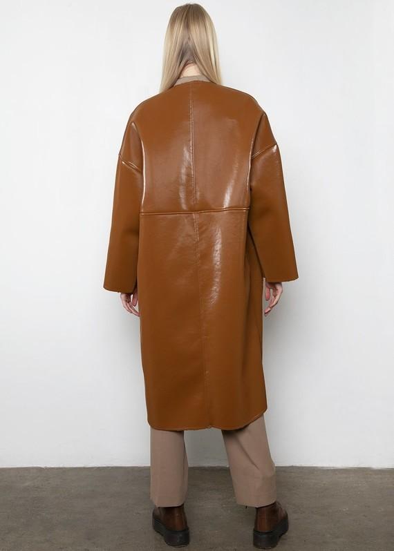 Frankie-LINDE-18-12-20198664-caramel-reversible-coat