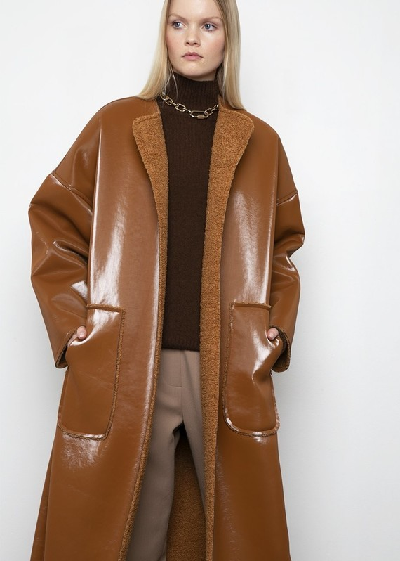 Frankie-LINDE-18-12-20198710-caramel-reversible-coat