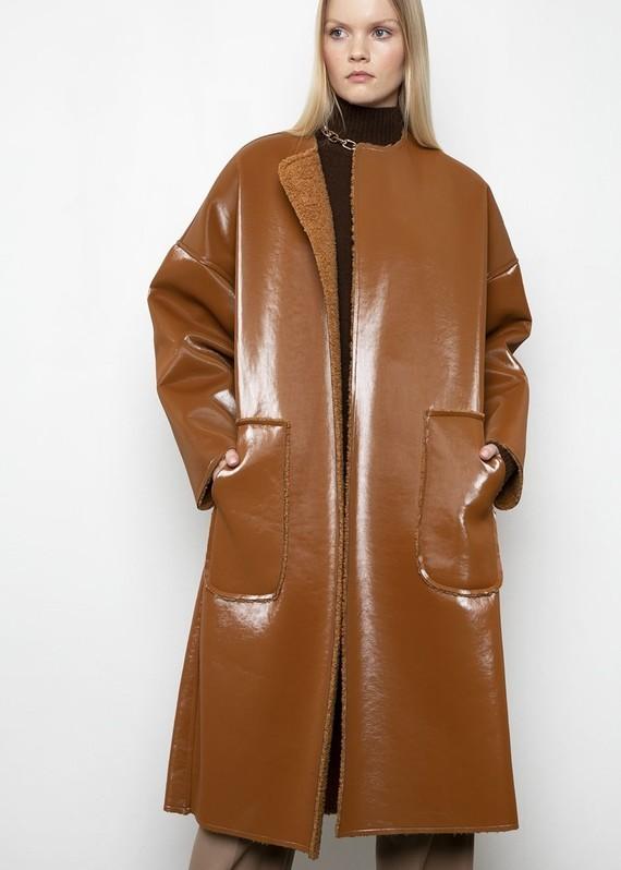 Frankie-LINDE-18-12-20198712-caramel-reversible-coat