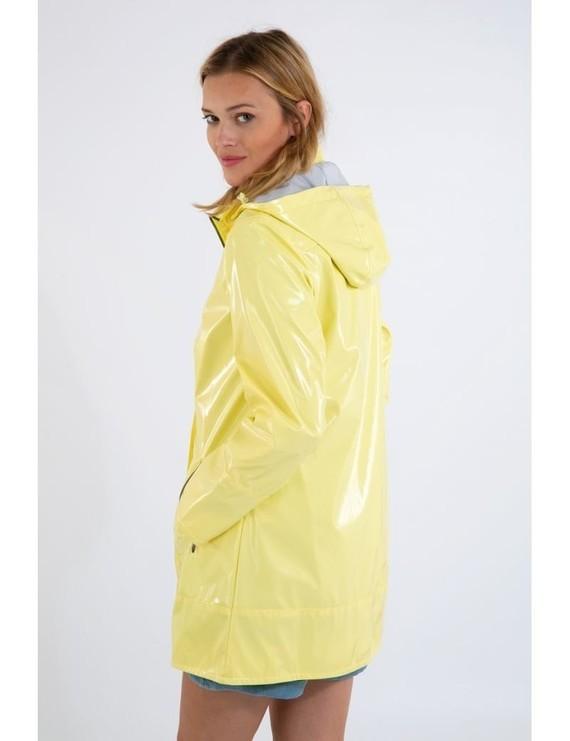 glossy-raincoat-bruges2