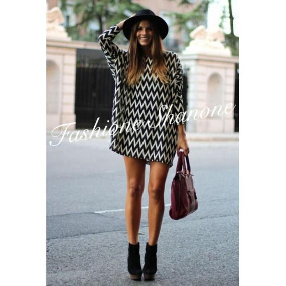 robe-ample-effet-loose-blanche-et-noire