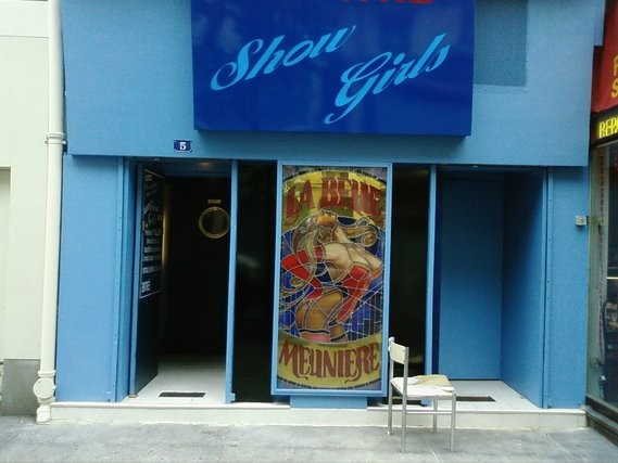 matapan theatre erotique paris presentation show girls