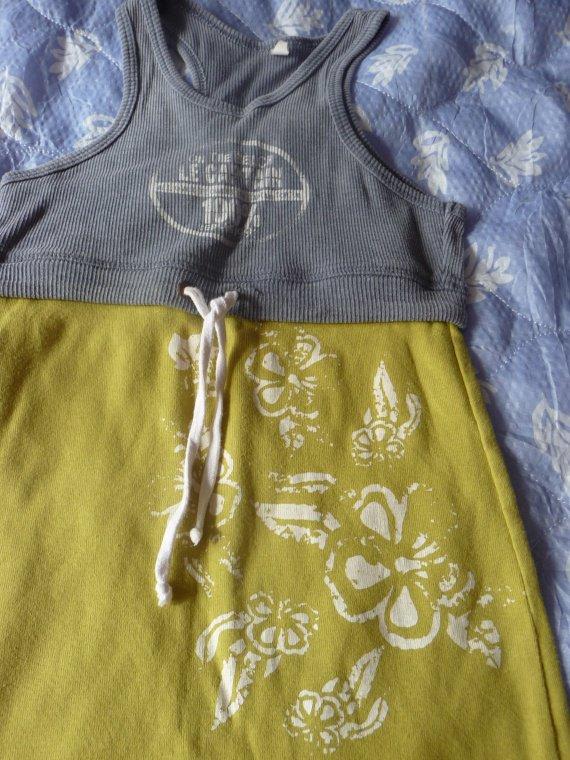 robe captain tortue 6 ans : 2 euros