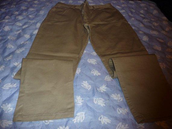 pantalon la redoute t44 neuf : 10 euros