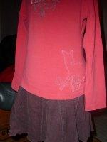 ensemble jupe + haut 6 ans : 10 euros