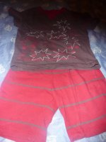 pyjamas 4 ans : 2 euros