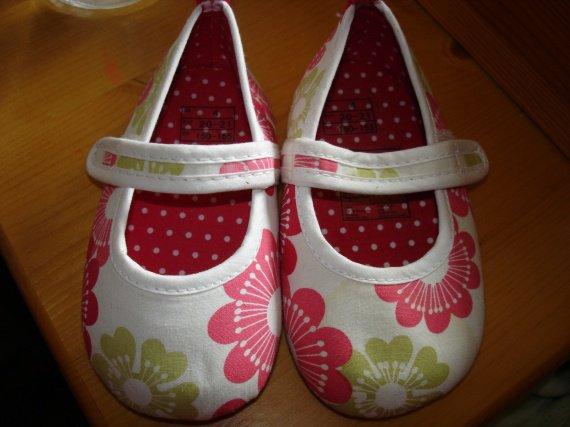 chaussures bb 20/21 neuves 4e