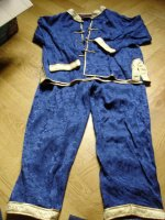 pyjama chinois 8 ans (noté 10 ans mais taille petit)