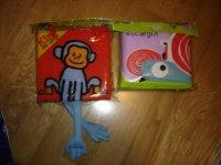 livres bb neufs (1 tissu, 1 plastique) 3e chaque