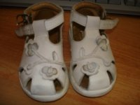 chaussures babybottes blanches 18 5€