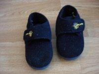 chaussons 24 (taille à vérifier) BE 2€