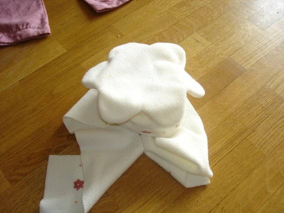 bonnet écharpe kiabi 51cm 3€ (réervé lame)