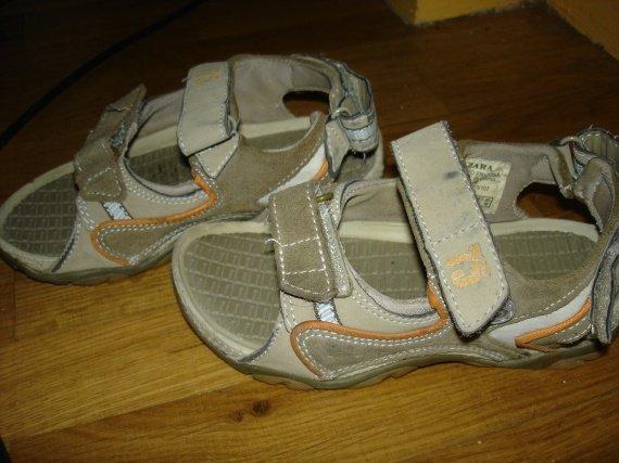 sandales zara 28 en TBE 8e