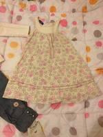 robe 4 ans (gilet manches courtes rose offert car pas cdp) 12 euros fdpc