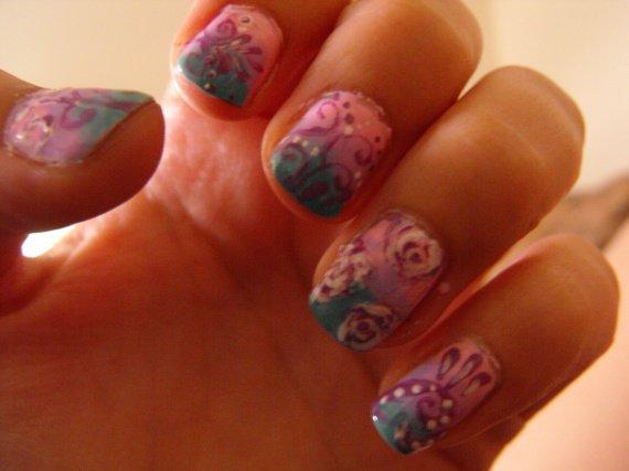 dégradé rose,lilas,vert et arabesque