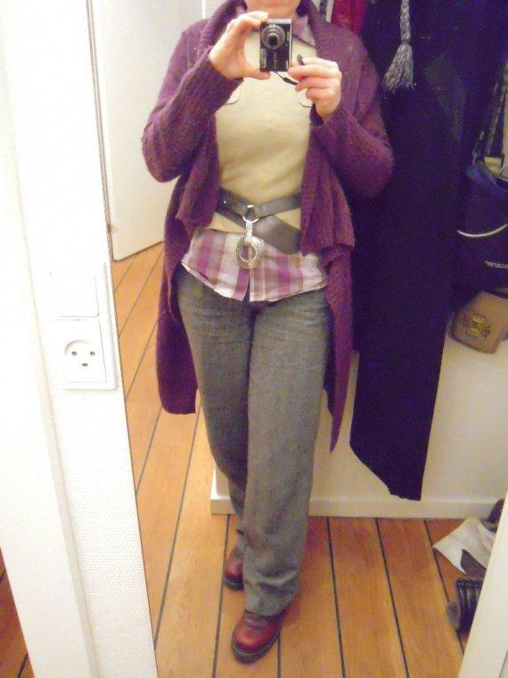 Pantalon gris pull vert_a