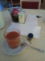 Jus de carotte du matin, avec 1/8 de citron et huile