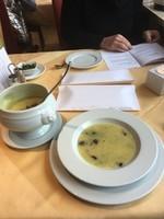 Soupe de pommes de terre aux épices ce midi pour Jean