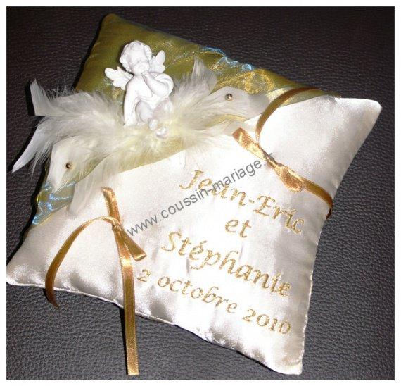 coussin porte alliances mariage avec un ange et couleur or ivoire coussin alliances mariage