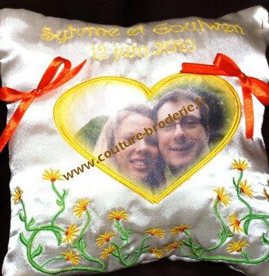 coussin alliances moderne avec photo des maries nouveauté 2010