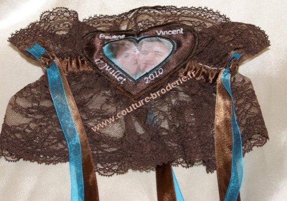 jarretiere chocolat turquoise avec photo des meariés