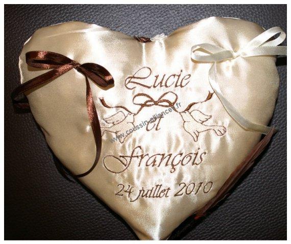 coussin mariage alliances personnalisé coeur - Coussin mariage porte ...