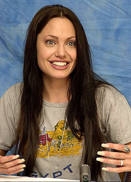angelina-jolie-without-makeup-2
