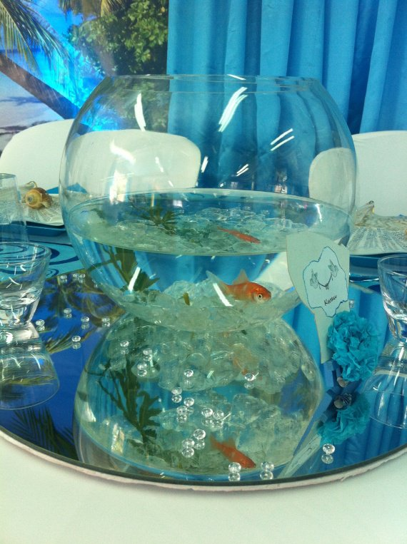 Mariage aquarium poisson centre de table theme exotique for Deco aquarium poisson rouge