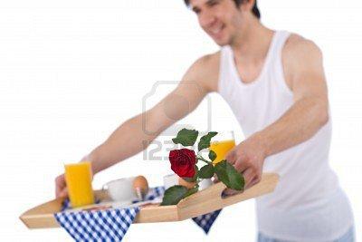 6914744-petit-d-jeuner--plateau-de-tenue-du-jeune-homme-avec-rose-sur-fond-blanc-mettant-l-accent-su