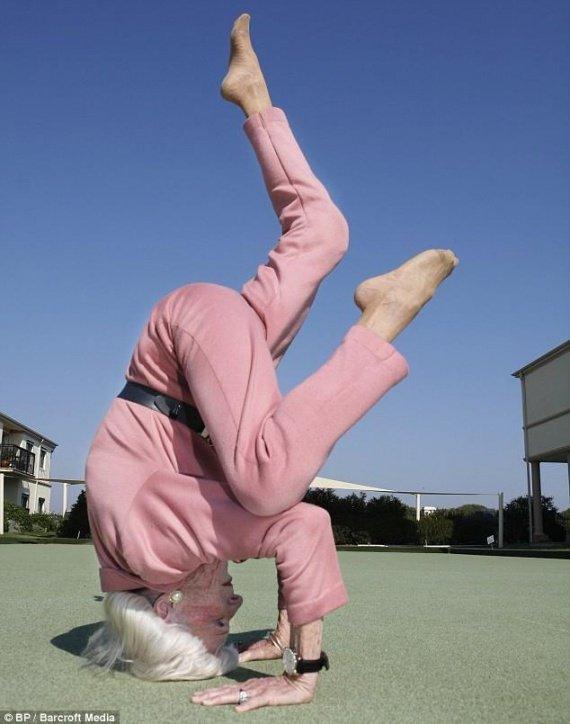 super-grand-mere-yoga-