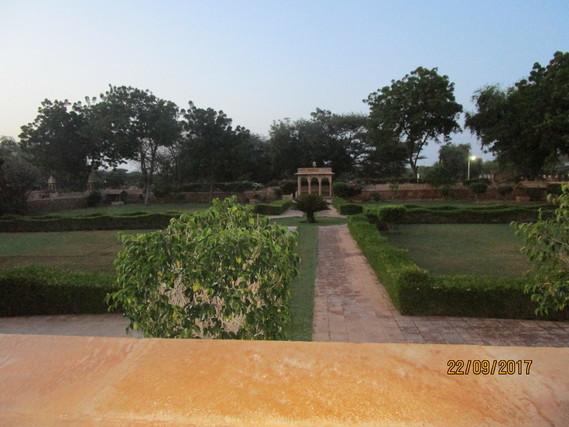 Inde 285