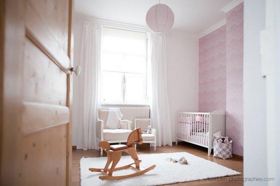 La chambre ou petit coin de nos b b futures mamans for Chambre violette et grise