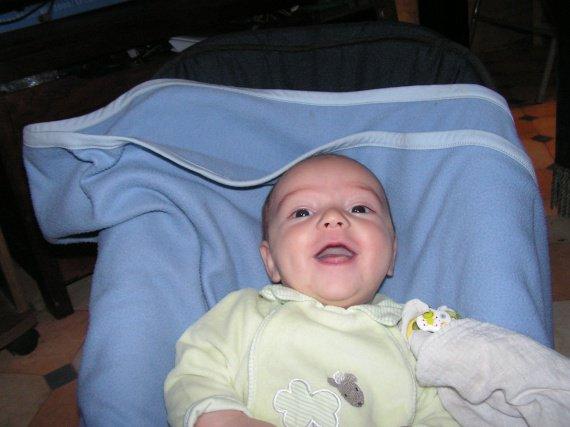 1er sourire en photo!