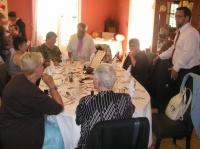 table  des parents et amis de la famille