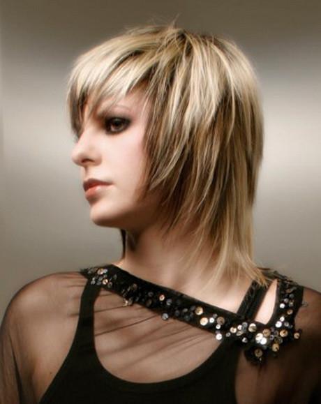 Couper mes cheveux longs pour un carré - Coiffure et coloration ...
