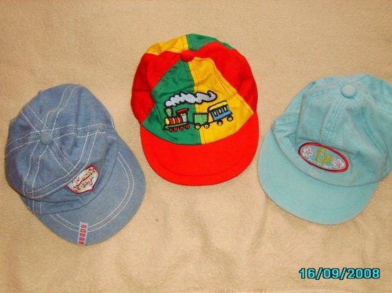 7d1cc3dbff44 bonnet et gant naissance bleu et dessin argenttaille 401euro l ensemble