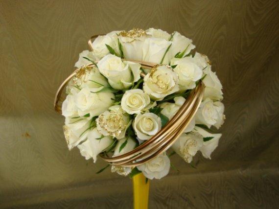 Bouquet-de-mariee-forme-ronde