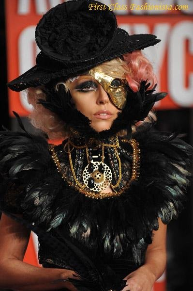 Lady-Gaga-at-2009-MTV-VMAs
