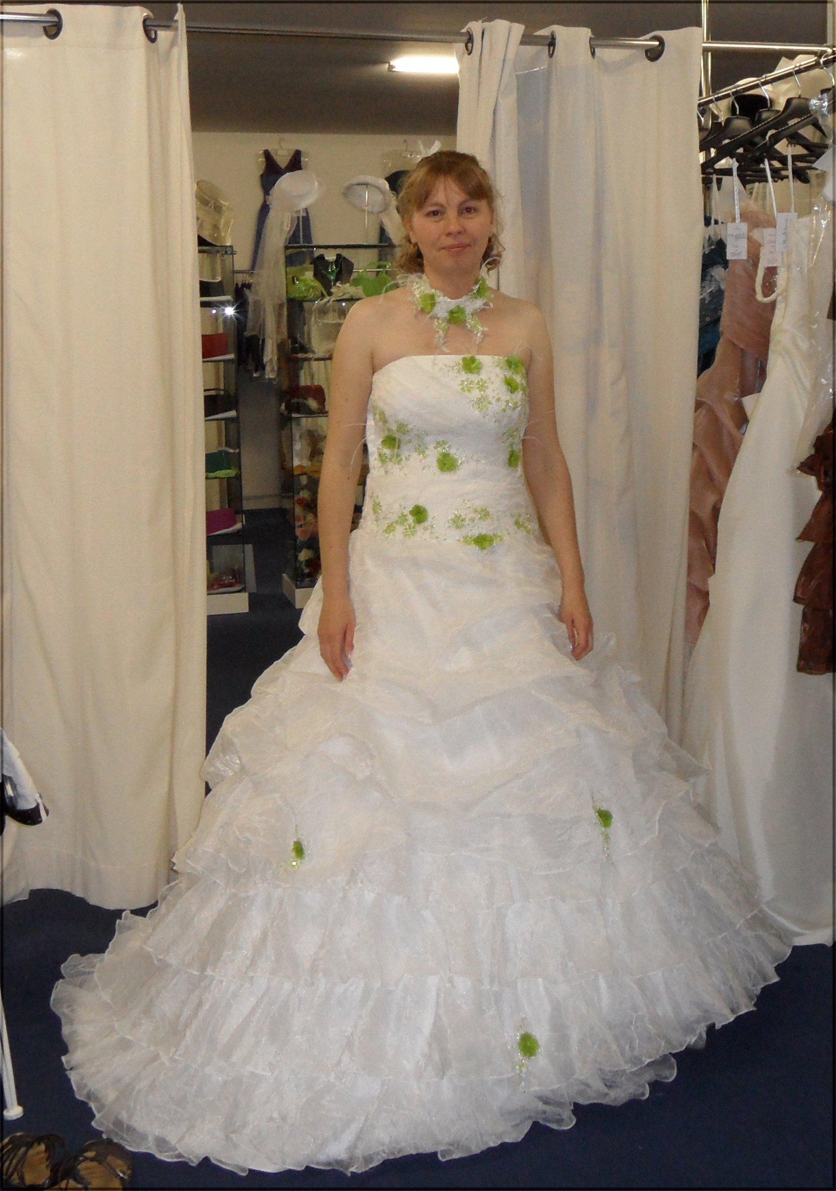 Robe de mariage vert et blanc