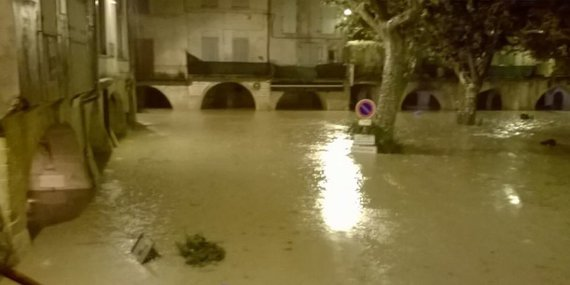 centre-ville-de-sommieres-gard-mercredi-soir_1048655_1000x500