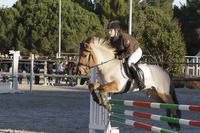ma sarah sur son premier cheval